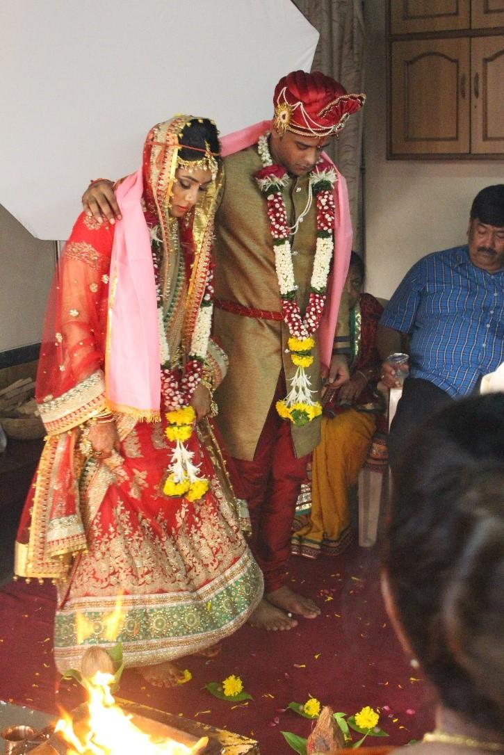 Indische Hochzeit: Ablauf, Bräuche und das Kleid  Aytour